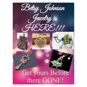 NWT Betsy Johnson Jewerly